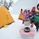 Initiation au camping d'hiver pour familles aventurières